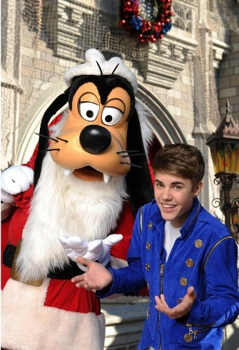 Justin and Goofy.