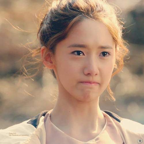 suuny isn't cute to me yoona is the cutest the pic below is so cute i really like this pic