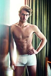 Jon Kortajarena shirtless<3