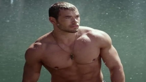 Kellan's hot muscles<3