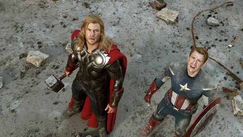 Chris Hemsworth and Chris Evans both looking up<3