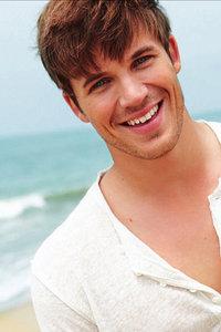 Matt with a gorgeous smile<3
