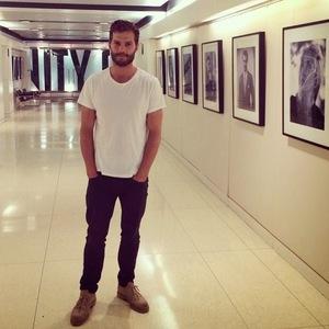 Jamie wearing a blank white t-shirt<3