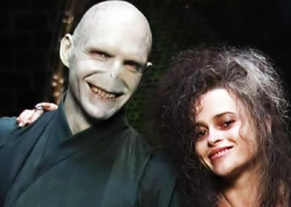 Ralph Fiennes and Helena Bonham Carter as the dark Lord Voldemort and Bellatrix Lestrange from the Harry Potter फिल्में