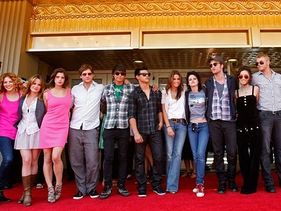 Robert and a bunch of Twilight hottys,male and female<3