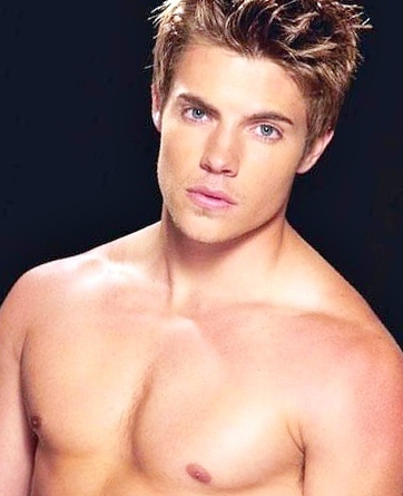Josh Henderson shirtless<3