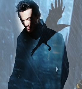 Luke Evans with a shadow<3