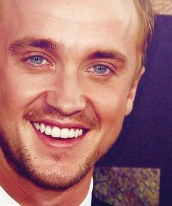 Tom Felton smiling<3