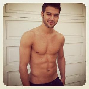 Ryan's sexy hot body<3