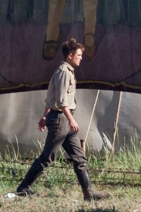 Robert and his sexy strut<3