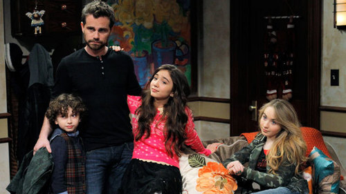 Rider Strong aka Shawn Hunter in Girl Meets World... who is now a dad <3333