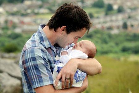 Gareth David-Lloyd with his child<3