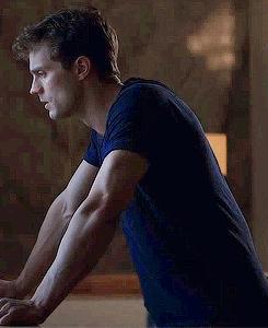 Jamie with veiny arms<3