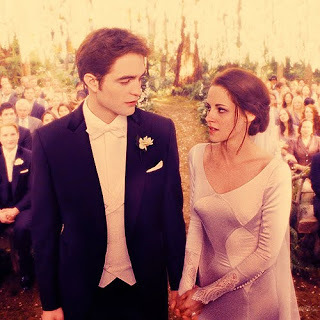 Robert and Kristen in a scene from BD part 1 where their characters,Edward and Bella become husband and wife<3
