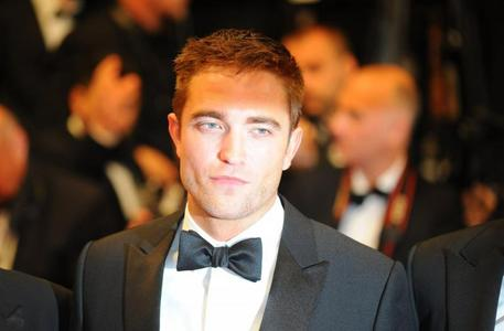 my babe Robert was born May 13,1986...it should be a national holiday<3