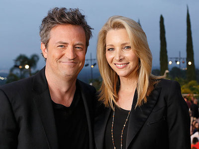 Matthew Perry who is 45 and Lisa Kudrow who's 51. :)