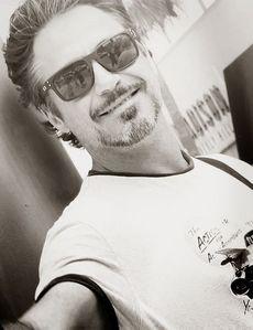 RDJ selfie<3