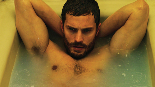 Jamie striking a sexy pose in a tub<3