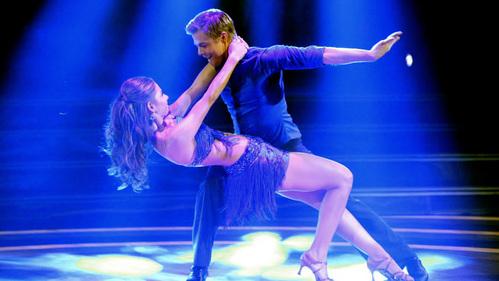 Derek Hough dancing<3