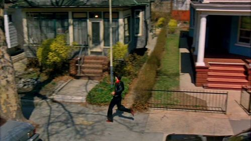 John with his house and volgende door :)