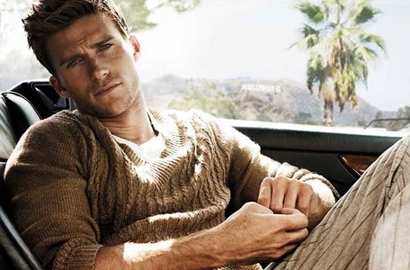 Scott Eastwood with a sexy stare<3
