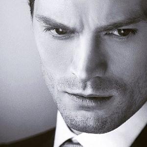 Jamie ipinapakita his gorgeous Irish eyes<3