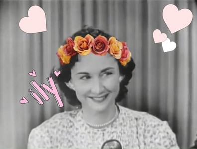 Dorothy used to wear bulaklak crowns all the time but I couldn't find a screenshot of that so I made my own edit.