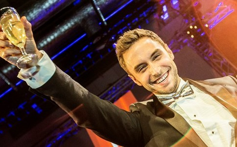 Måns with a metallic bowtie. :D