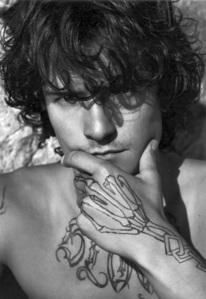 a b&w tattooed Orlando<3