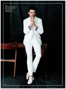 Richard in white<3