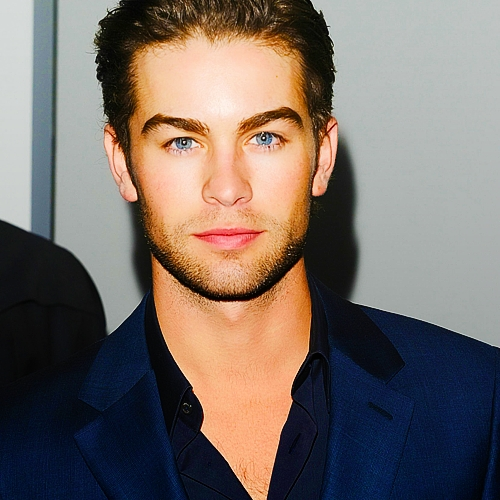 Chace's crystal blue eyes<3