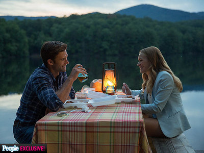 Scott Eastwood and Britt Robertson with a nice background<3