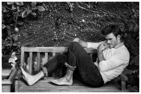 Scott's bare feet<3