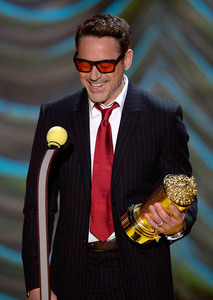 RDJ in a red tie and red shades<3