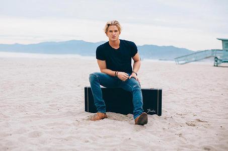 Cody Simpson<3