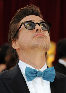 RDJ being a trendsetter and wearing a powder blue bowtie<3