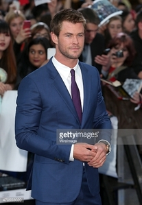 Chris Hemsworth looking gorgeous in a blue suit at the UK premiere of Avengers Age of Ultron<3