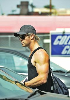 Chris and his mighty Thor sized biceps<3