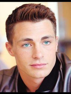 Colton montrer his gorgeous,captivating eyes<3