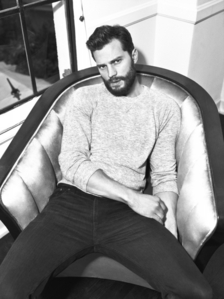 Jamie sitting in a chair<3