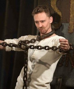 Muppets most wanted. Tom Hiddleston XD