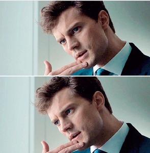 Jamie touching his lip<3