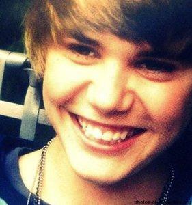 adorable Bieber teeth<3