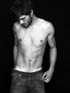 Jamie's sexy hip bones<3