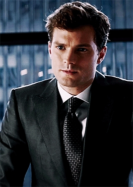 Jamie looking absolutely f**king hot in a suit<3