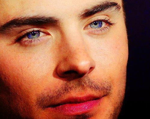 Zac's stunning eyes<3