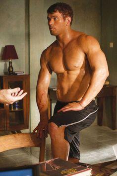 Kellan's mighty muscles<3