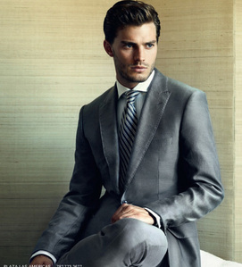 Jamie looking very sexy in a suit<3