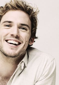 Sam Claflin's sweet smile<3