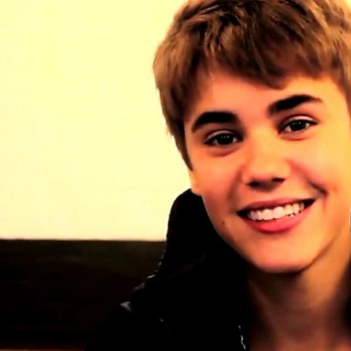 Justin is incredibly adorable but also so hot !